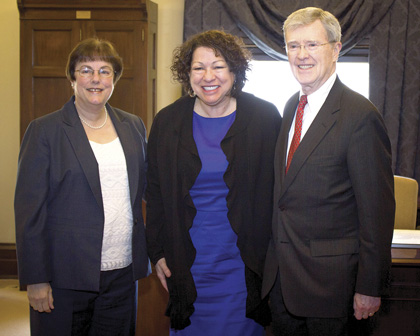 Judge O'Scannlain and Judge Graber welcoming Justice Sotomayor to The Pioneer Courthouse