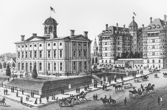 Pioneer Courthouse and the old Portland Hotel, which opened in 1890. Pioneer Square is now located there.